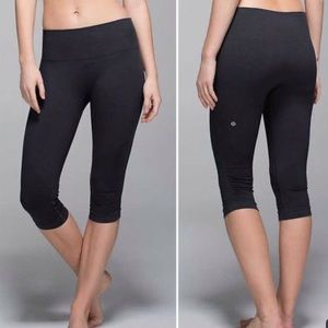 Lululemon In The Flow 11  Ruched Charcoal Gray 4